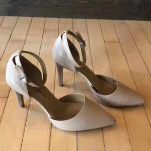 Lucky Brand Cream/Tan Heel